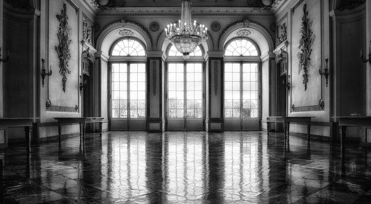Bir Saray İnşa Etmek